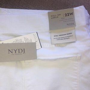 NJDJ pull on ankle length jeans